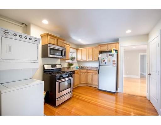 Apartamento por un Alquiler en 437 High Street #1 437 High Street #1 Medford, Massachusetts 02155 Estados Unidos