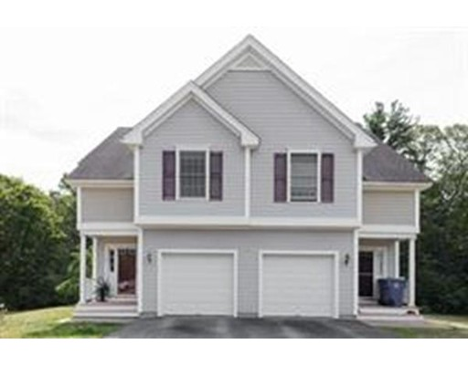 Casa unifamiliar adosada (Townhouse) por un Alquiler en 7 Christopher Dr #7 7 Christopher Dr #7 Rockland, Massachusetts 02370 Estados Unidos