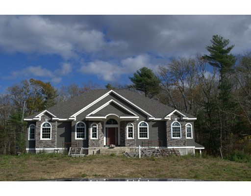 Single Family Home for Sale at 8 BLACKSMITH Drive 8 BLACKSMITH Drive Acushnet, Massachusetts 02743 United States