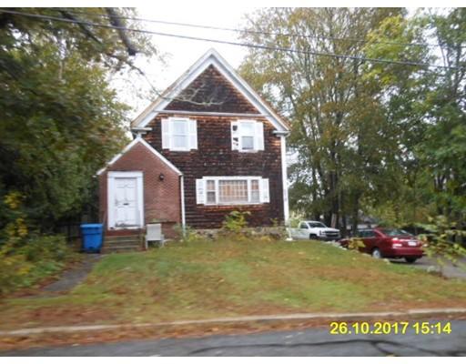 独户住宅 为 销售 在 40 Shaw Road 40 Shaw Road Bridgewater, 马萨诸塞州 02324 美国