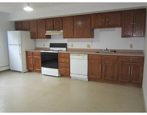 Apartamento por un Alquiler en 44 Morgan Rd #3 or 7 44 Morgan Rd #3 or 7 Hubbardston, Massachusetts 01452 Estados Unidos