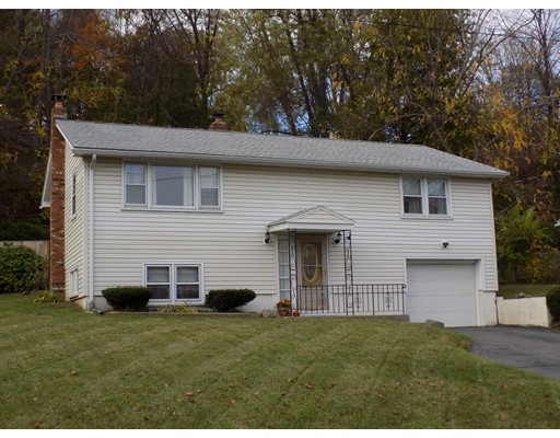 Single Family Home for Sale at 21 Bray Park Drive 21 Bray Park Drive Holyoke, Massachusetts 01040 United States