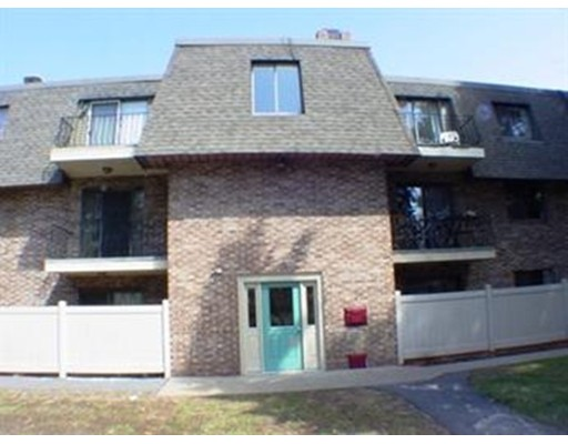 Condominio por un Alquiler en 59 School St #A12 59 School St #A12 Northborough, Massachusetts 01532 Estados Unidos