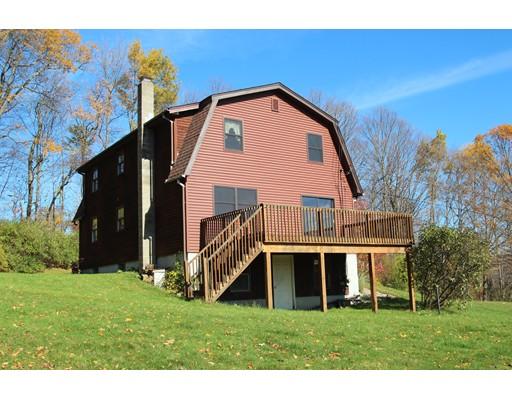 Maison unifamiliale pour l Vente à 66 Mid County Road 66 Mid County Road Leyden, Massachusetts 01301 États-Unis