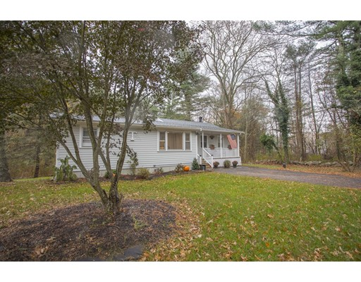 Single Family Home for Sale at 459 Flag Swamp Road 459 Flag Swamp Road Dartmouth, Massachusetts 02747 United States