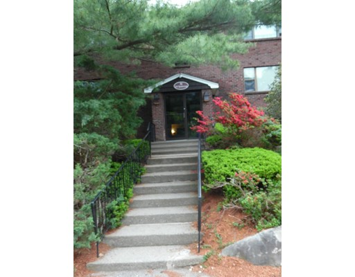 共管式独立产权公寓 为 销售 在 24 Spencer Road 24 Spencer Road Boxborough, 马萨诸塞州 01719 美国