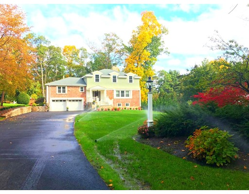 Picture 3 of 25 Chiltern Rd  Weston Ma 4 Bedroom Single Family