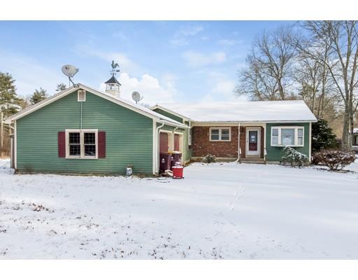 独户住宅 为 销售 在 45 Mattapoisett Road 45 Mattapoisett Road Acushnet, 马萨诸塞州 02743 美国
