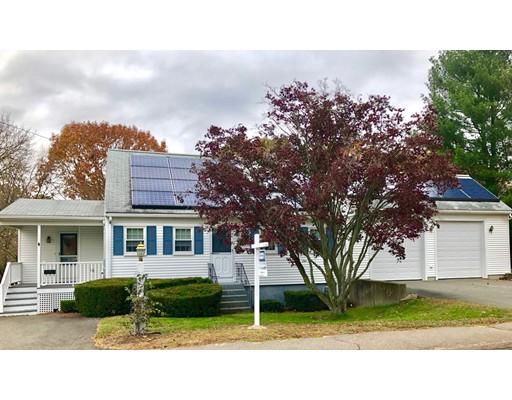 Maison unifamiliale pour l Vente à 82 Pond Lane 82 Pond Lane Randolph, Massachusetts 02368 États-Unis