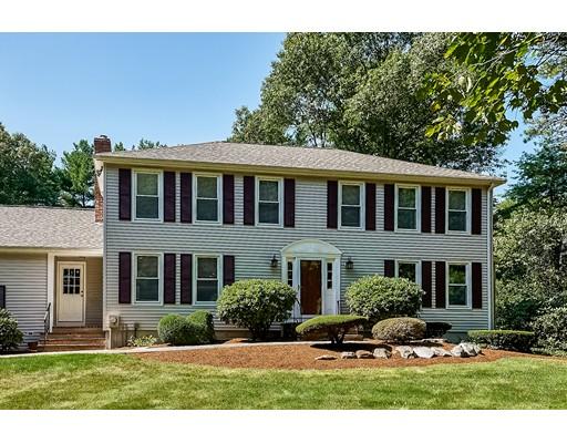 واحد منزل الأسرة للـ Sale في 2 Faxon Street 2 Faxon Street Foxboro, Massachusetts 02035 United States