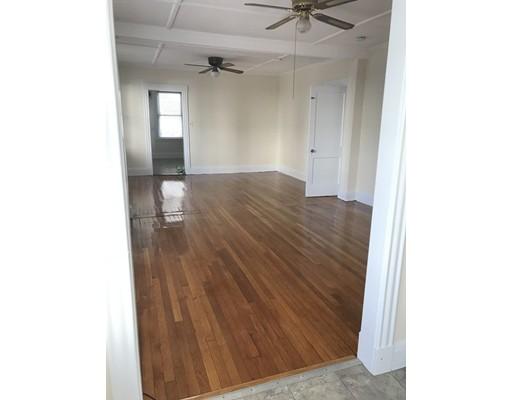 独户住宅 为 出租 在 24 Hanover Circle 林恩, 01902 美国