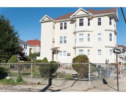 Maison avec plusieurs logements pour l Vente à 71 16Th Street 71 16Th Street Fall River, Massachusetts 02723 États-Unis