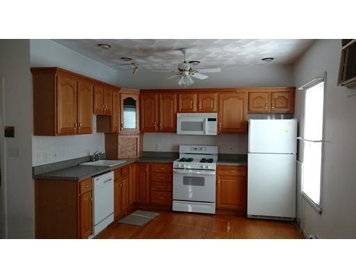 Casa Unifamiliar por un Alquiler en 215 Lexington Street Boston, Massachusetts 02128 Estados Unidos