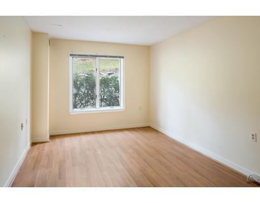 Condominio por un Venta en 100 Rosemary Way 100 Rosemary Way Needham, Massachusetts 02494 Estados Unidos