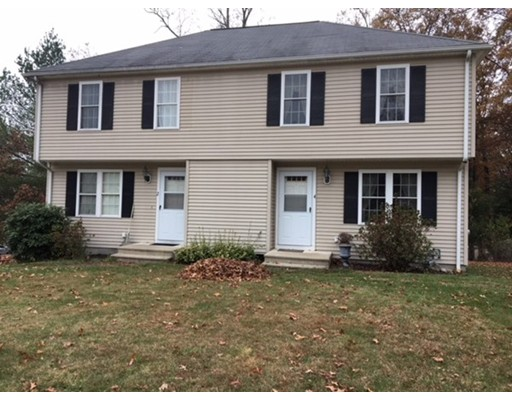 Casa unifamiliar adosada (Townhouse) por un Alquiler en 4 Forest Way #4 4 Forest Way #4 Plainville, Massachusetts 02762 Estados Unidos