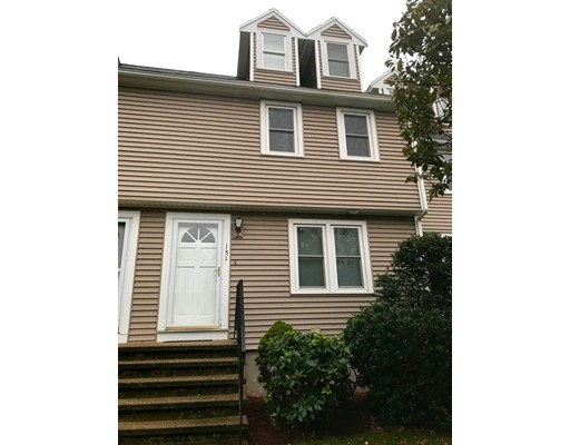 Condominio por un Alquiler en 151 Merrimack Meadows #151 151 Merrimack Meadows #151 Tewksbury, Massachusetts 01876 Estados Unidos