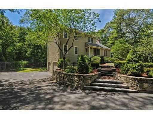Single Family Home for Sale at 61 Neck Hill Road 61 Neck Hill Road Hopedale, Massachusetts 01747 United States