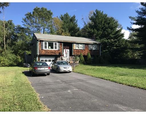独户住宅 为 销售 在 27 Ann Street 27 Ann Street Raynham, 马萨诸塞州 02767 美国
