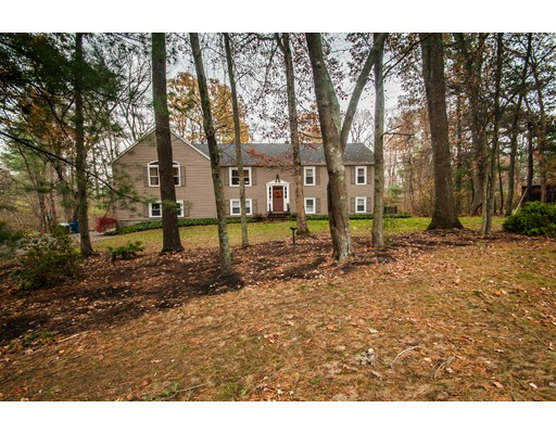 Single Family Home for Sale at 31 Oak Ridge Lane 31 Oak Ridge Lane Bridgewater, Massachusetts 02324 United States