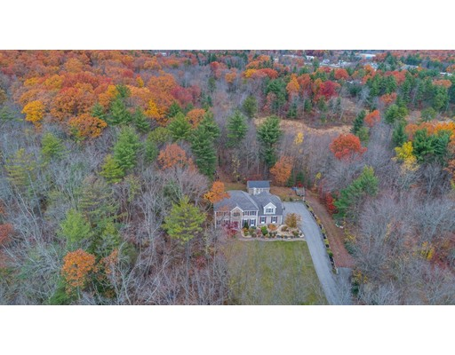 Maison unifamiliale pour l Vente à 1700 Wellington Road 1700 Wellington Road Manchester, New Hampshire 03104 États-Unis