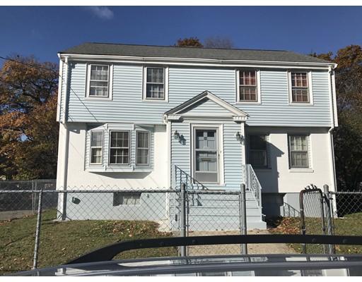 Casa Multifamiliar por un Venta en 30 Favre Boston, Massachusetts 02126 Estados Unidos
