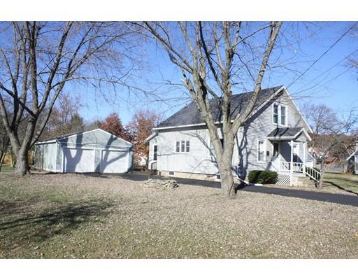 Maison unifamiliale pour l Vente à 6 Edward Avenue 6 Edward Avenue Montague, Massachusetts 01376 États-Unis