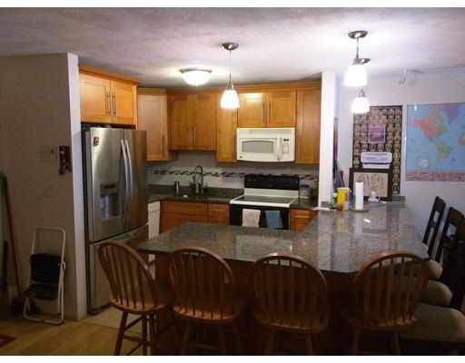 Appartement en copropriété pour l à louer à 655 Sawmill Brook Pkwy #18 655 Sawmill Brook Pkwy #18 Newton, Massachusetts 02459 États-Unis