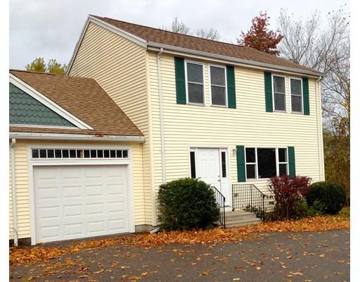 Casa unifamiliar adosada (Townhouse) por un Alquiler en 1081 Main St #1081 1081 Main St #1081 Walpole, Massachusetts 02081 Estados Unidos