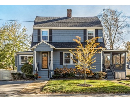 Single Family Home for Sale at 11 Vista Avenue 11 Vista Avenue Reading, Massachusetts 01867 United States