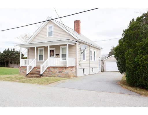 Single Family Home for Sale at 16 Oliver Street 16 Oliver Street Dartmouth, Massachusetts 02747 United States