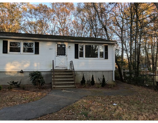 Single Family Home for Rent at 1109 South Main Street 1109 South Main Street Bellingham, Massachusetts 02019 United States