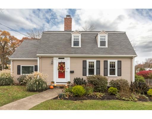 Частный односемейный дом для того Продажа на 85 LOCKSLEY ROAD 85 LOCKSLEY ROAD Lynnfield, Массачусетс 01940 Соединенные Штаты