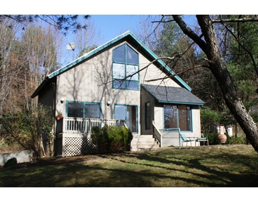Single Family Home for Sale at 5 Country Club Lane Plaistow, New Hampshire 03865 United States