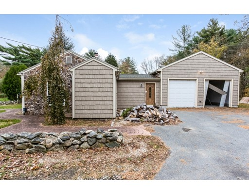 Single Family Home for Sale at 10 Thibeault Lane 10 Thibeault Lane Dartmouth, Massachusetts 02747 United States