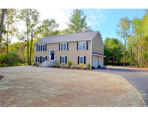 Maison unifamiliale pour l Vente à 140 Padelford Street 140 Padelford Street Berkley, Massachusetts 02779 États-Unis