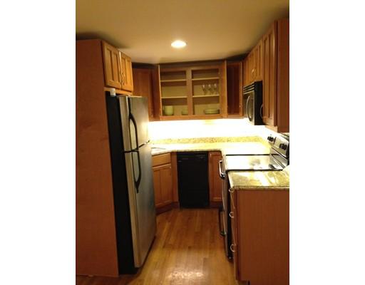 共管式独立产权公寓 为 销售 在 95 Clifton Street 莫尔登, 02148 美国