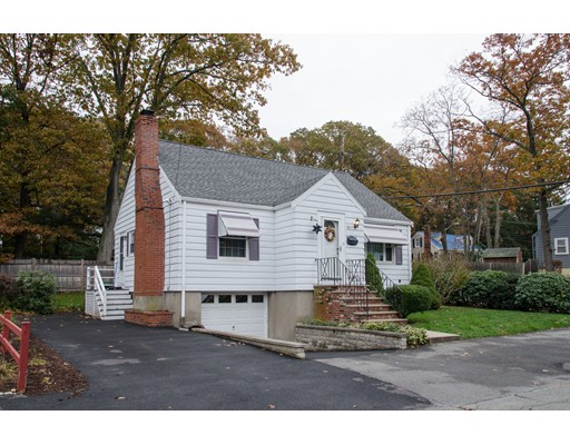 Casa Unifamiliar por un Venta en 5 Cedar Brook Road Lynn, Massachusetts 01904 Estados Unidos