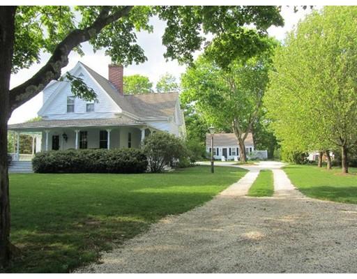Casa Unifamiliar por un Venta en 306 W Bay Street 306 W Bay Street Barnstable, Massachusetts 02655 Estados Unidos