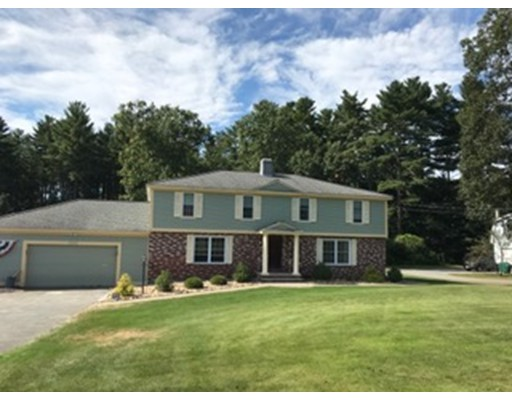Casa unifamiliar adosada (Townhouse) por un Alquiler en 1101 Whipple Rd #Right 1101 Whipple Rd #Right Tewksbury, Massachusetts 01876 Estados Unidos