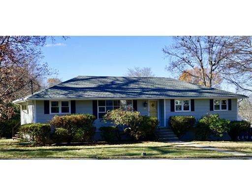 Maison unifamiliale pour l Vente à 45 Hillside Drive 45 Hillside Drive Shrewsbury, Massachusetts 01545 États-Unis