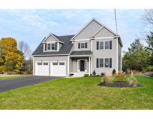 Single Family Home for Sale at 814 Old Post Road North Attleboro, Massachusetts 02760 United States