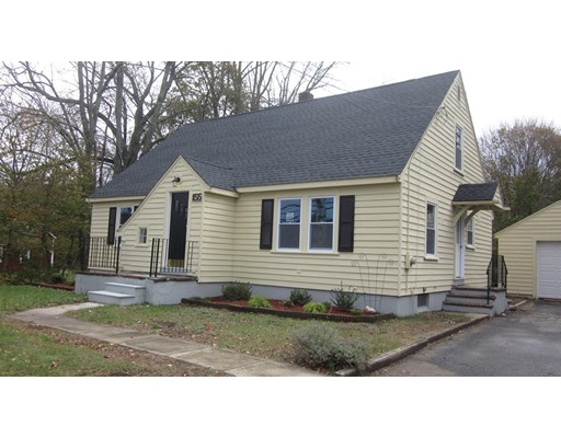 Maison unifamiliale pour l Vente à 155 Hartford Ave E 155 Hartford Ave E Mendon, Massachusetts 01756 États-Unis