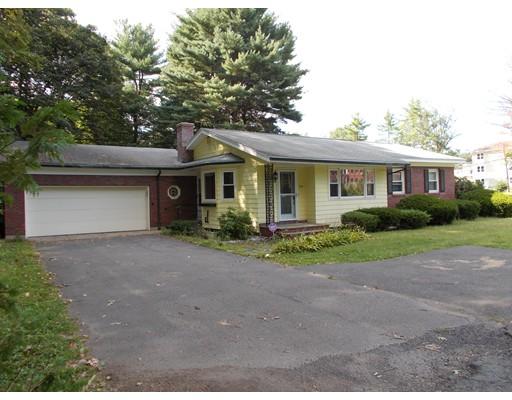 独户住宅 为 销售 在 534 North King Street 534 North King Street Northampton, 马萨诸塞州 01060 美国