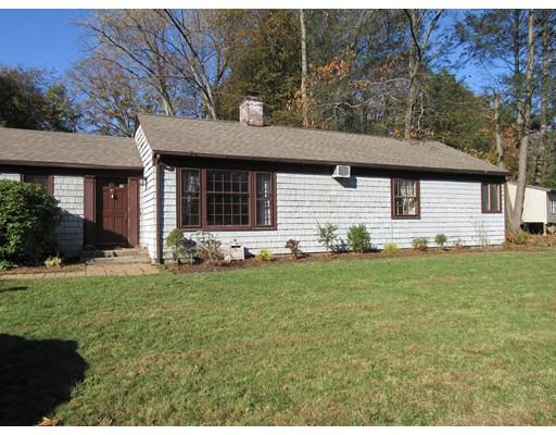 独户住宅 为 销售 在 52 Amherst Road 52 Amherst Road South Hadley, 马萨诸塞州 01075 美国