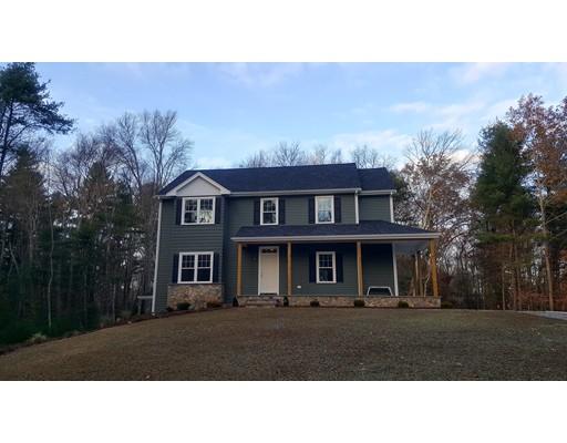 Maison unifamiliale pour l Vente à 376 Center Street 376 Center Street Dighton, Massachusetts 02764 États-Unis