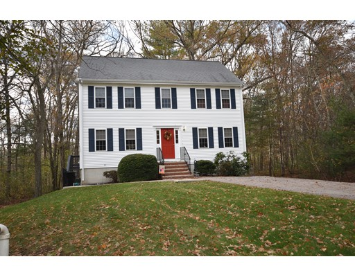 Single Family Home for Sale at 75 Morse Street 75 Morse Street Foxboro, Massachusetts 02035 United States