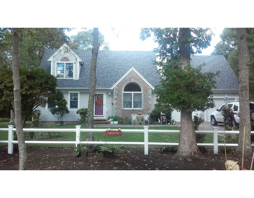 Single Family Home for Sale at 303 Acapesket Road 303 Acapesket Road Falmouth, Massachusetts 02536 United States