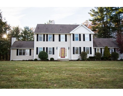 Maison unifamiliale pour l Vente à 26 Brackett Hill Road 26 Brackett Hill Road Charlton, Massachusetts 01507 États-Unis