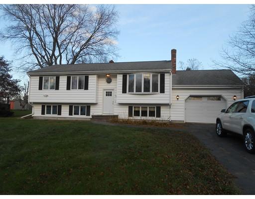 Casa Unifamiliar por un Venta en 30 Quequechan Road 30 Quequechan Road Taunton, Massachusetts 02780 Estados Unidos