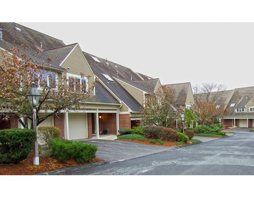 Appartement en copropriété pour l Vente à 72 S Quinsigamond Avenue 72 S Quinsigamond Avenue Shrewsbury, Massachusetts 01545 États-Unis